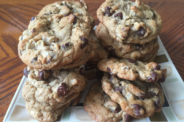 5 Fall Cookie Recipes - Oatmeal Cookies - The Be Well Place